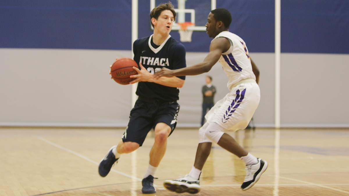 Men's basketball defeats Alfred to keep playoff hopes alive